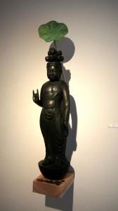 前田さん蓮葉彫刻